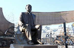 Прижизненные памятники Президента Назарбаева – это рекорд почестей
