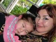 Алма Шалабаева и ее дочь Алуа